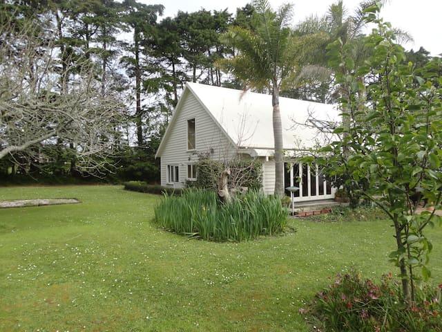 Stunning 3 Acre Property- Cottage  - Kumeu - Hus