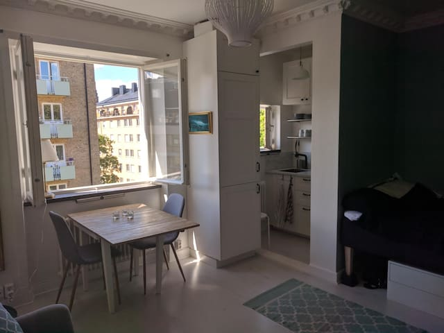 Cozy and light apartment in trendy Södermalm