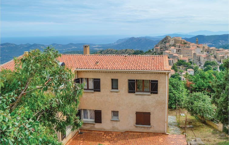 Holiday apartment with 3 bedrooms on 90m² in Speluncato