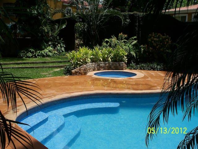 Casa en Carretera Sur, La Muela - Managua - Haus