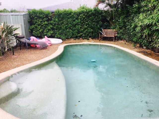 Mermaidwaters/pool/sauna/pizaOvn/Internet/netflix