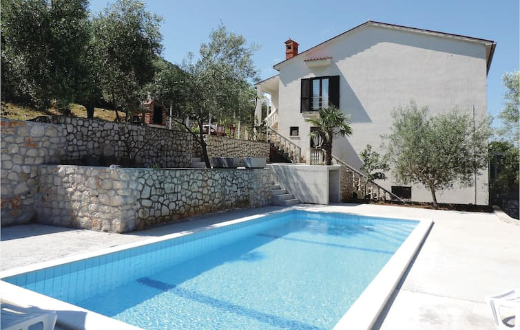 Holiday apartment with 3 bedrooms on 103 m² in Labin