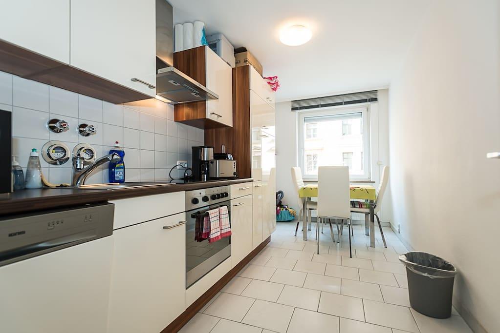 Küche mit Spühlmaschine
