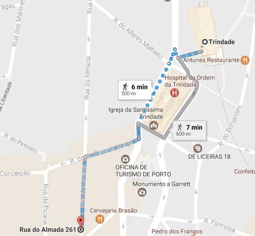 From Trindade Subway station to Almada street (Rua do Almada) - 6 minute-walk