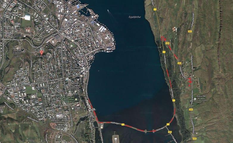 The way from Akureyri to the house Kotabyggð 46, Ak 601, Vaðlaheiði,