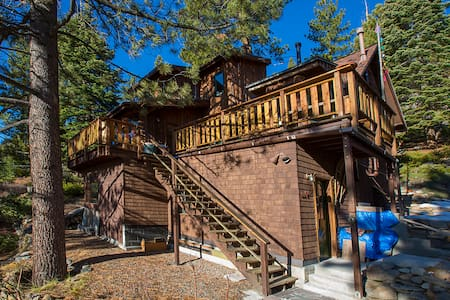 Lakeview Treehouse -  Crystal Bay - Bed & Breakfast