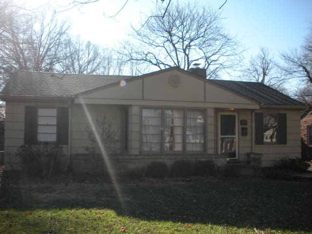 Full Home Rental - 2br / 2b - Indianapolis - Hus