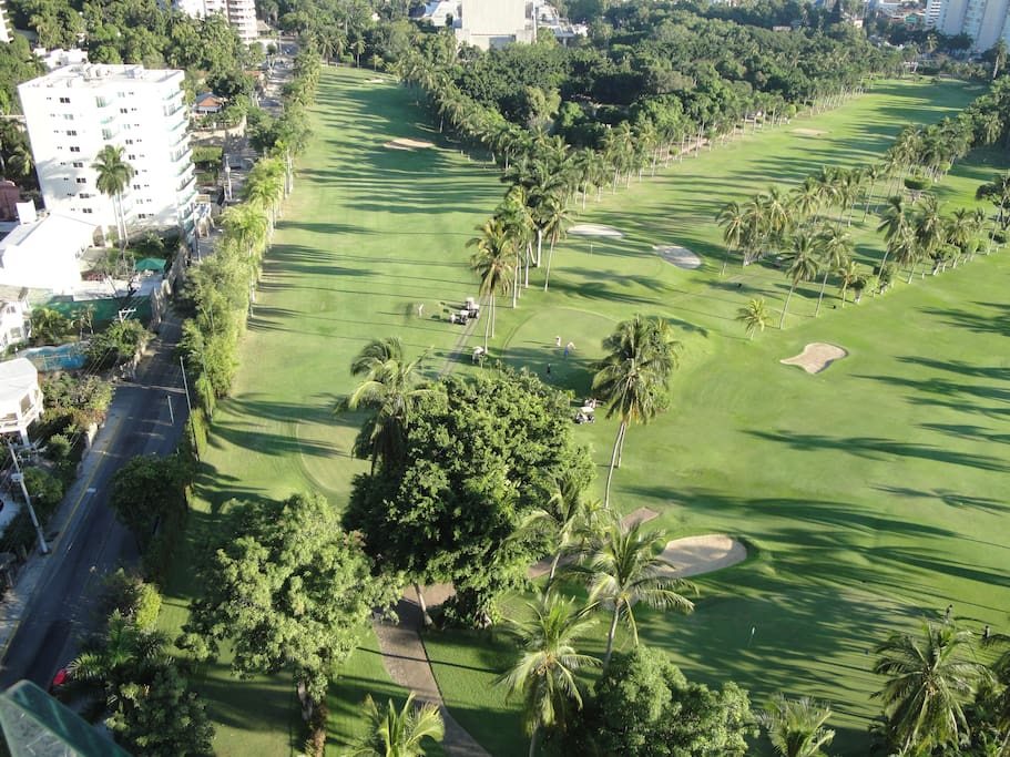 Vista al Club de Golf / View to Golf Court from roof top