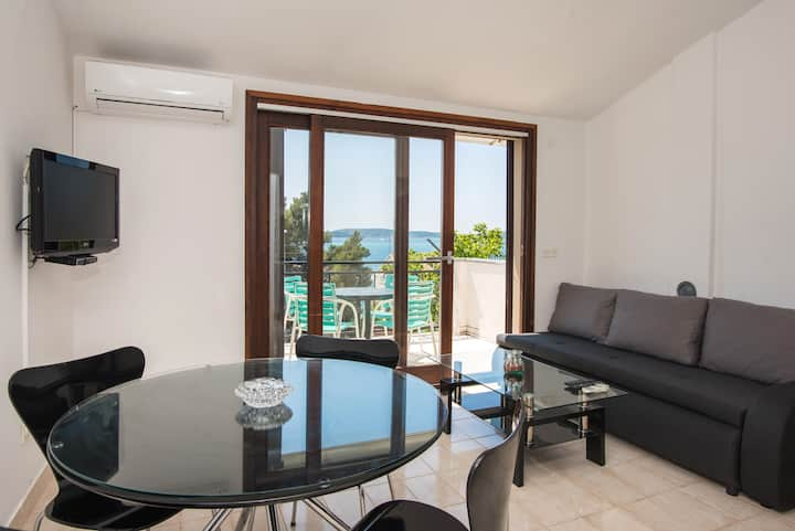 APARTMENT LUCIA WITH SEA VIEW TERRACE AT THE BEACH