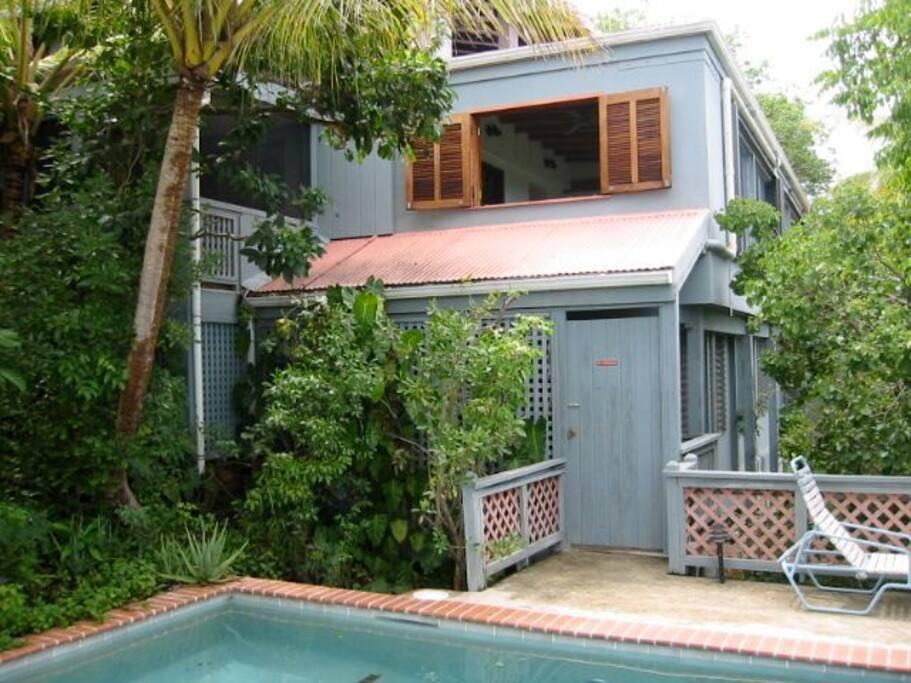 condo, porch, and pool all in close proximity