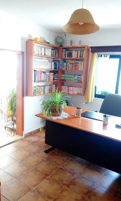 Chambre verri re dans la verdure bed breakfasts te huur in ghbale mount lebanon libanon - Verriere kamer ...