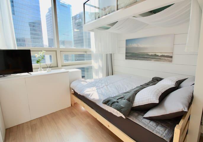 clean & cozy house/ 明洞 / Myeongdong