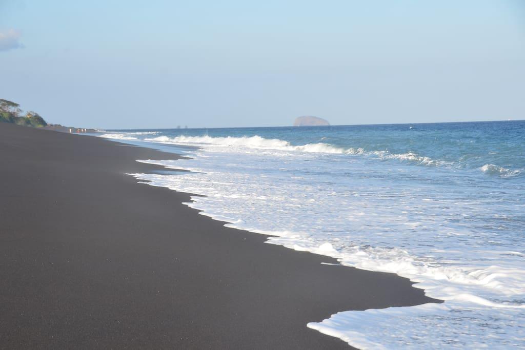 Black sand beach Padangbai