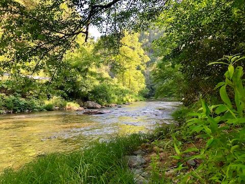 Rustic Riverfront Cabin & Mountain Retreat