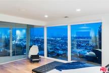 Hollywood Hills Gem & Amazing Views