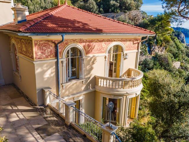 VILLA PESCADE - Authentic Villa with endless views