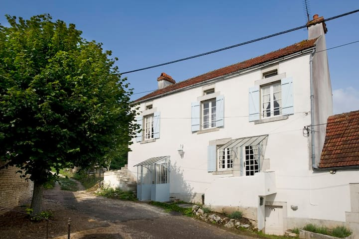 Romantic, cosy holidayhouse  - Grimault - House