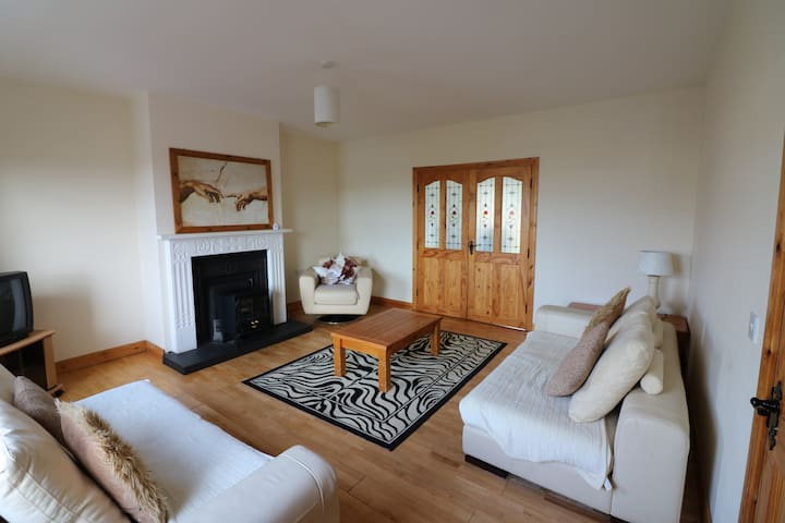 4 Bedroom holiday home in Kinlough - Kinlough - Casa