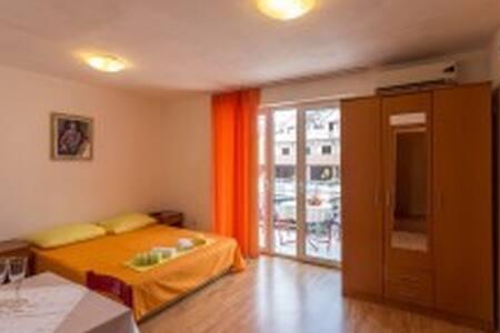 Apartments Spaic - Igalo - Lakás
