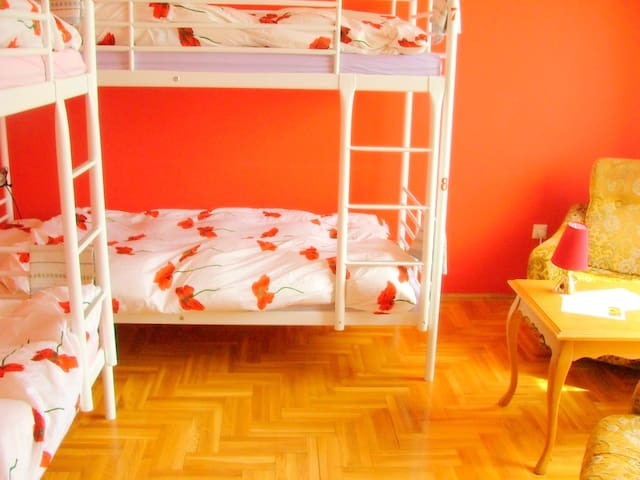 Relax female 1 - Budapest - House