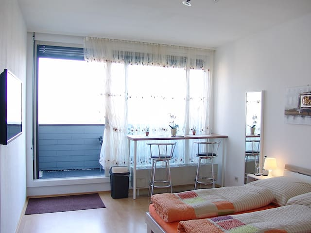 Clean, sunny, quiet, centrally, new - Augsburg - Apartment