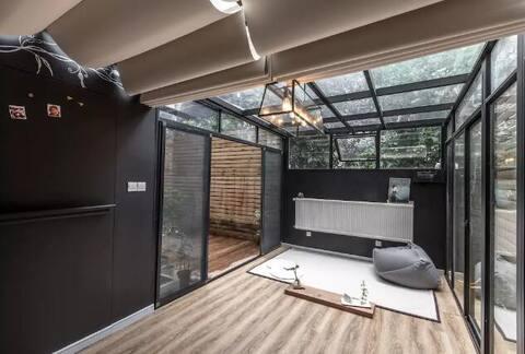 归隐-整套独享 多条轨直达私家花园  超大投影 品质套房 视听影音享受