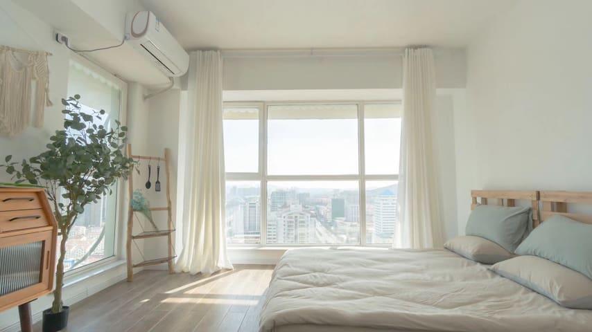 近大润发商圈、刘公岛码头的波西米亚风网红海景小公寓,小米智能家居、米家厨房