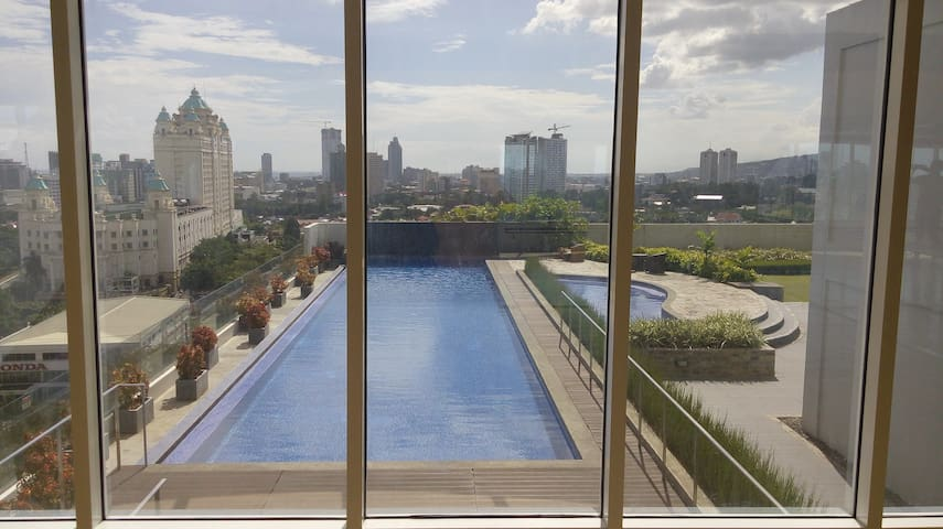 Fully furnished condo @Cebu IT Park