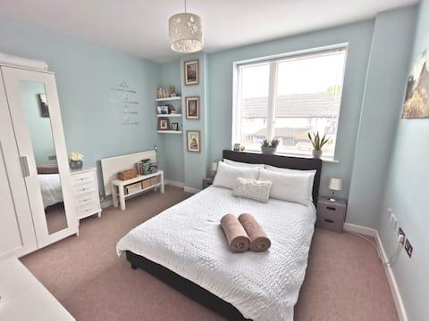 Lichte en moderne Gatwick / Horley appartement