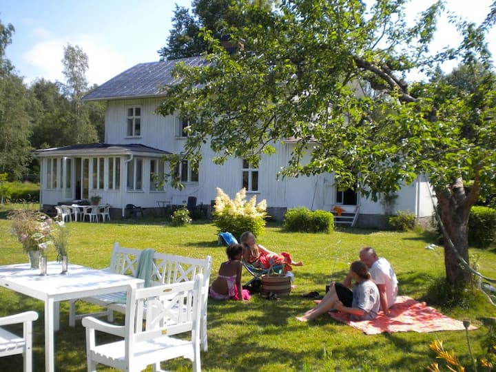 LARGE VILLA AT THE BEACH - 2 HOURS FROM OSLO