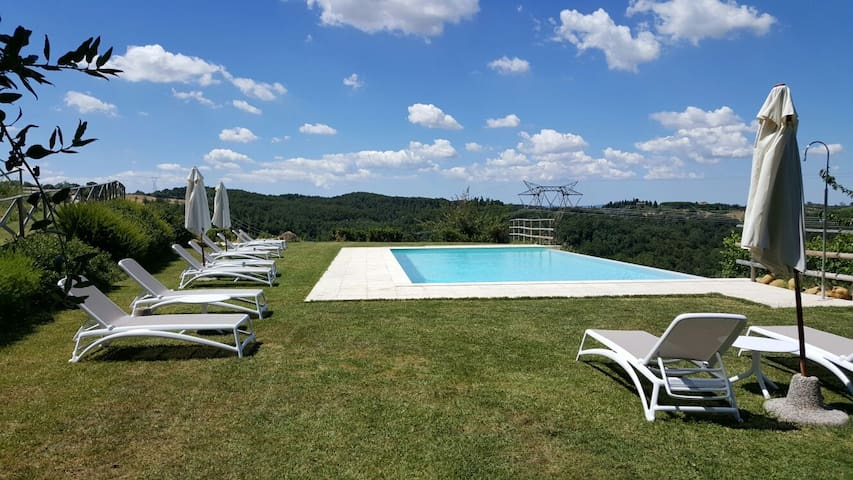 Bouganville cozy apartment in farmhouse in Tuscany - Montaione - Flat