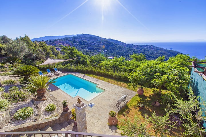 Villa dei Galli with Private Pool, Sea View, Garden, Parking and Air Conditioning