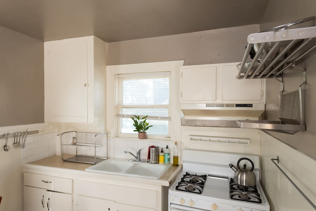 2 Bedroom Studio Home In East Austin By Downtown Guesthouses For Rent In Austin Texas United