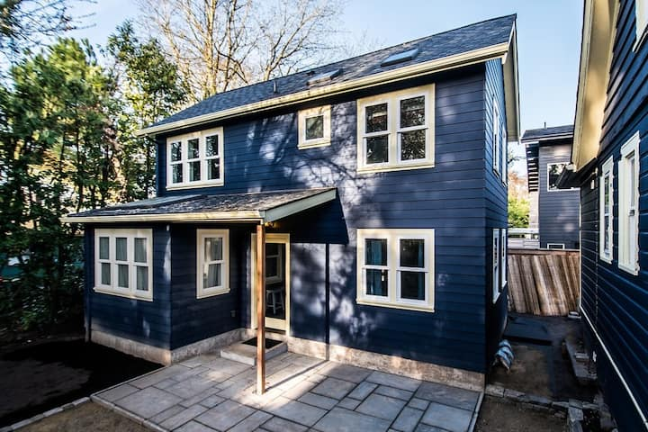 ** Newly Built ** PDX Portland Garden Cottage