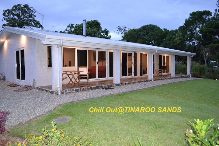 Tinaroo Sands. Pet Friendly 4 Bed 2 Bath Sleeps 8