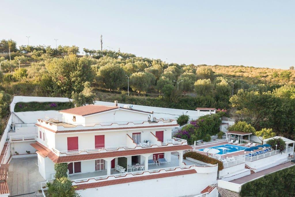 Villa con piscina appartamenti in affitto a agropoli salerno italia - Villa italia piscina ...