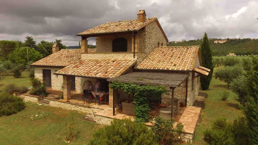 Beautiful stone country house in Umbria