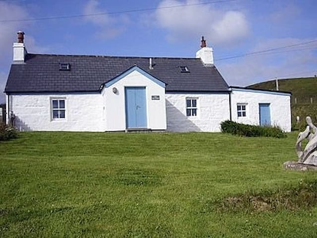 Mill House Portskerra B and B bedroom 1 - Portskerra - Bed & Breakfast