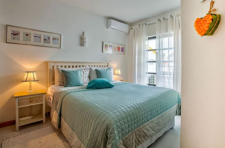 2 bed apartment on Monte Dourado, communal pool