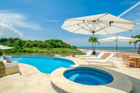 Spectacular beach house in Punta Barco Resort - Panamá Oeste - บ้าน