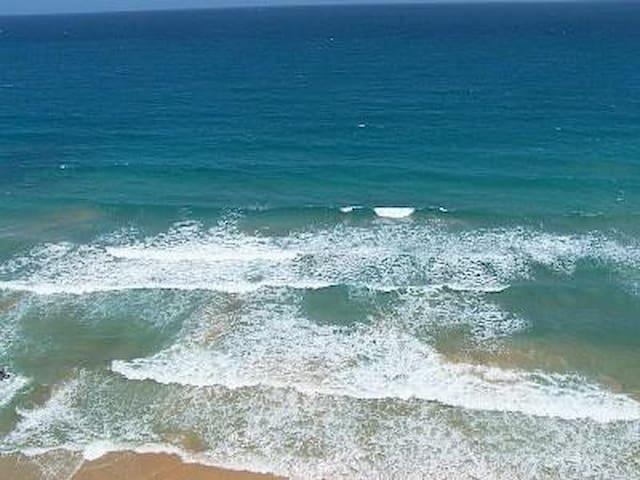 Ocean Front 3 Bed Condo 13th floor / power & water