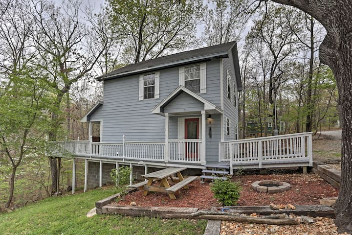 Peaceful 3BR Grove House w/Wooded Scenery!