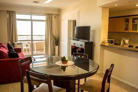 Cozy and ample apartment near La Balcarce Street. - 萨尔塔 - 公寓