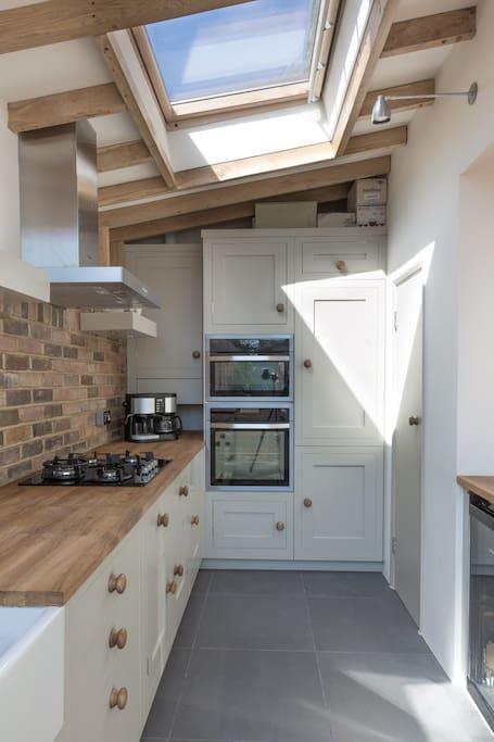 Shaker kitchen with two ovens, hob, coffee machine, fridge/freezer and wine fridge!