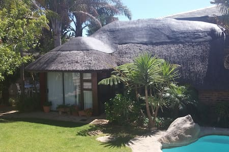 Lovely Garden Cottage - Cape Town - Bungalow