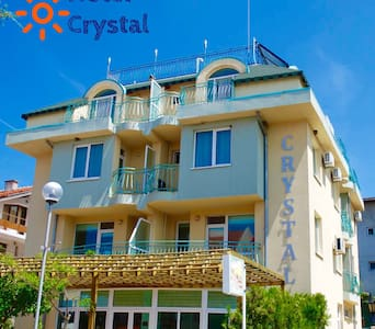 Crystal Guest House 100m to Beach
