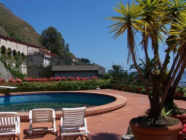Appartamento a Taormina sul mare