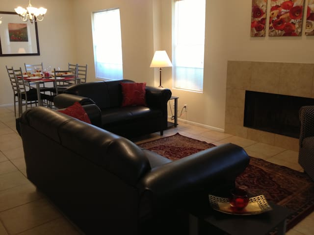 Comfortable home away from home - San Antonio - Apartment