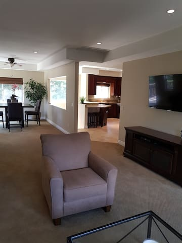 Guest House Lounge