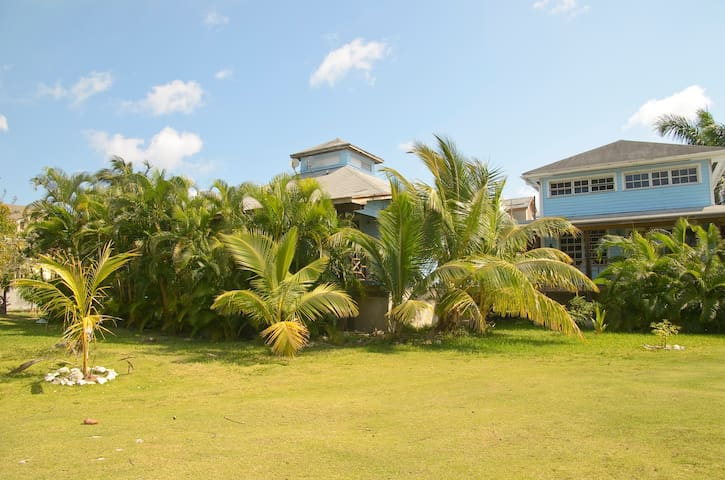 Tropical Gdn. Apt Close To Beach  - Nassau - Apartment